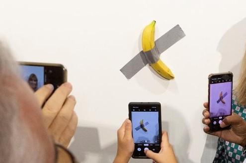 banana postmodern art